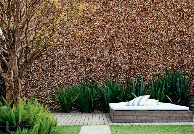 decoracao muros jardim:jardim-casa-e-jardim-ago-2010.jpg